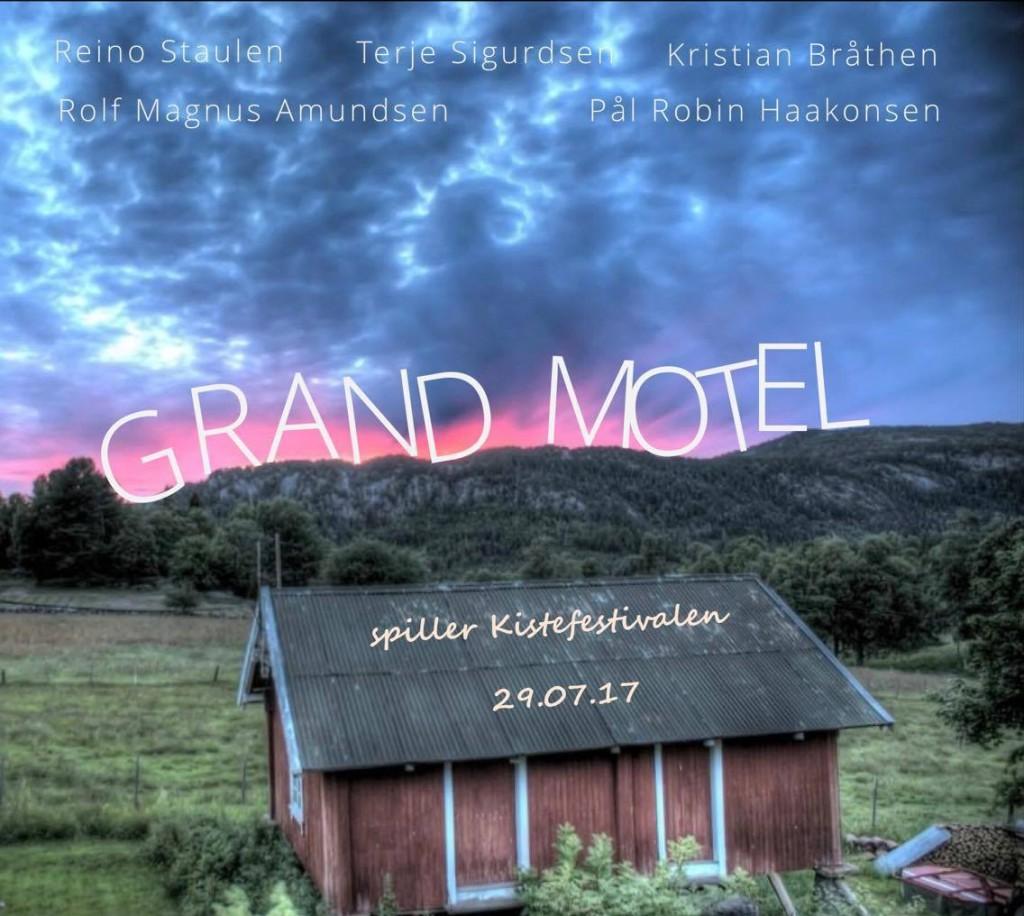 Grand Motel er et band som formes etter gjestene som er til stede! Gjestene forlater igjen motellet i sommer og minibussen stopper i år igjen på Kistefestivalen.